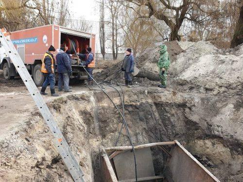 Жодних незручностей: у Черкасах почали реконструкцію каналізаційного колектора (фото)