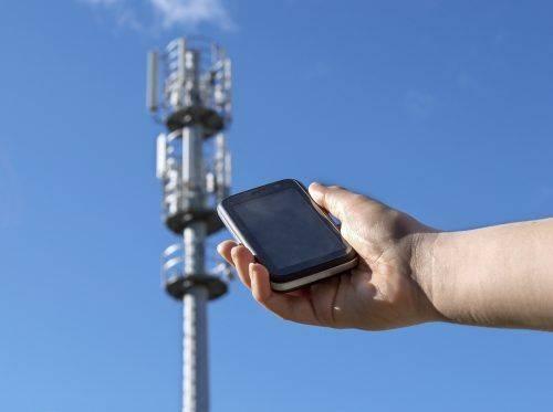 Жителі одного з сіл Черкащини категорично проти встановлення антени телефонного зв'язку (відео)