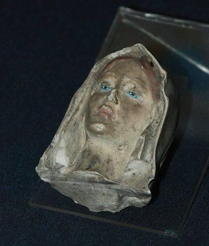 У черкаському музеї зберігається уламок статуетки Діви Марії, який містянин знайшов після штурму Майдану (фото)