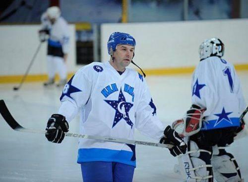 Відомий хокеїст стане гостем відкритого Кубку Черкас із хокею з шайбою