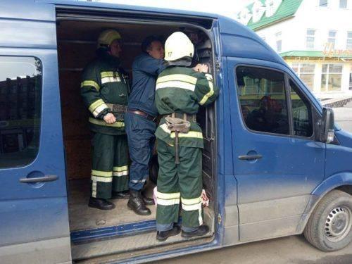 Маленьку дитину рятували із зачиненого автомобіля на Черкащині