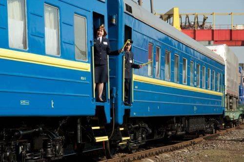 Деякі поїзди на Черкащині змінять свій графік у квітні