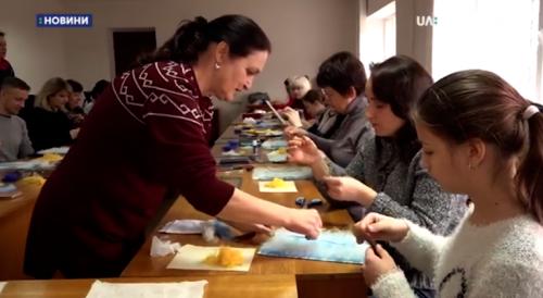 """Черкасці вивчали техніку """"вовняна акварель"""" (відео)"""