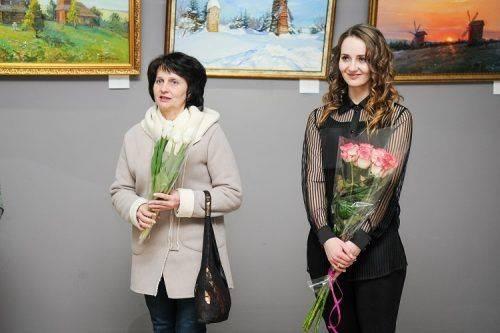 Черкаська студентка презентувала свою виставку картин (фото)