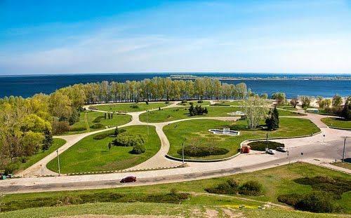 """Реконструкція скверу """"Юність"""" та оновлення доріжок в Долині троянд: які зміни чекають на черкаські парки та сквери цьогоріч"""
