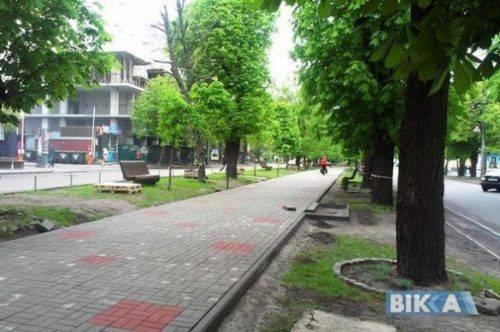 Бондаренко розповів, коли дороблять сходи на Митницю та які дороги відремонтують