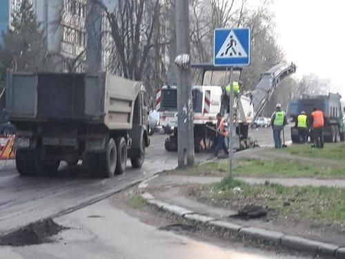 На деяких вулицях Черкас тимчасово заборонили рух автомобілів