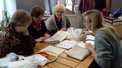 У Галереї народного мистецтва України в Черкасах навчають автентичній вишивці
