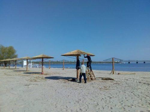 """Пляж """"Соснівський"""" у Черкасах майже завершили облаштовувати"""