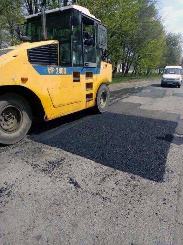 На Черкащині продовжують ямковий ремонт автодоріг