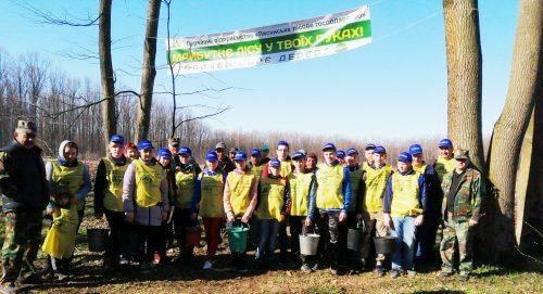 На Черкащині висадили дуби та модрини в пам'ять про загиблих героїв (фото)
