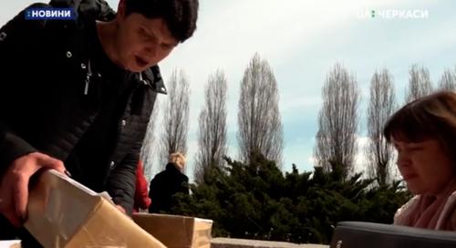 До Черкас завезли бюлетені для повторного голосування на виборах (відео)