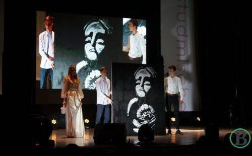 Зі співами та запальними танцями: учасниці «СтудМіс Черкащини 2019″ показали свої таланти (фото)