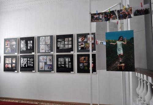"""У Черкасах відкрили фотовиставку """"Об'єктивно"""" (фото)"""