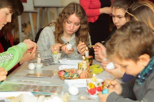 У Черкасах відбувся майстер-клас з виготовлення писанок (фото)