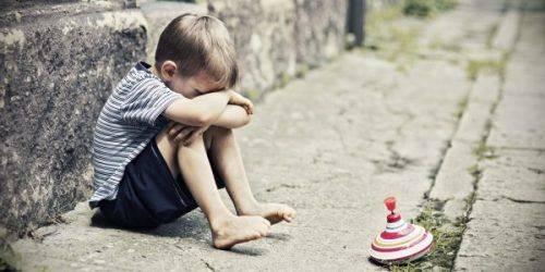 На Черкащині у подружжя забрали дітей, які жебракували, поки батьки пиячили