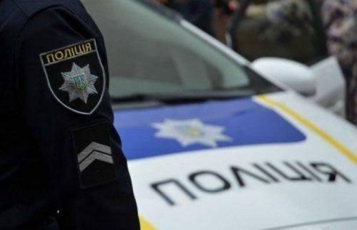 Черкащанинe, який побив автомобіль правоохоронців, загрожує до 3 років ув'язнення