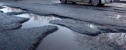 Ні доріг, ні транспорту: на Черкащині туристи не можуть дістатися культурних пам'яток
