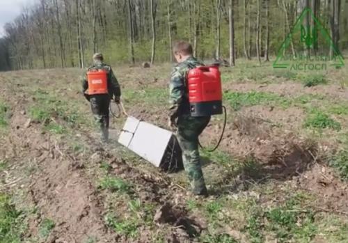 Лісівники на Черкащині створили унікальний пристрій для хімдогляду за насадженнями (відео)
