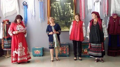 Вишиванки, сорочки, пояси та торбинки: у Черкасах відбулася унікальна виставка (фото)