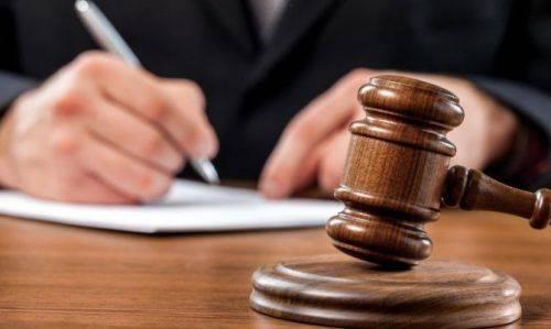 На Черкащині чоловіка звинувачують у розголошенні таємниці удочеріння