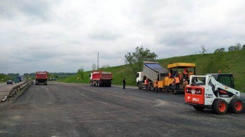 На Черкащині продовжують ремонт дороги міжнародного значення (фото)