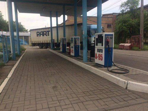 На двох нелегальних заправках вилучили пального вартістю понад 3,3 млн грн (фото)