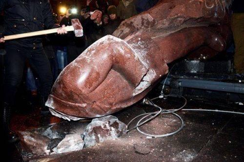 Одіозний екс-нардеп із Черкащини заявив, що в Україні «не буде вулиць імені Бандери»