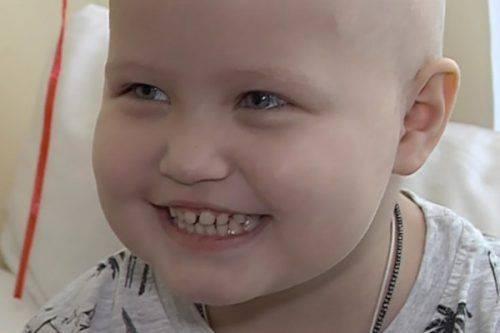 Маленька черкащнка, яка бореться з раком крові, потребує допомоги