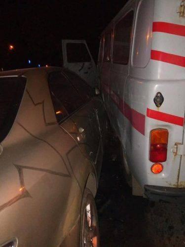 На Черкащині автівка на єврономерах в'їхала в машину екстреної допомоги (фото)