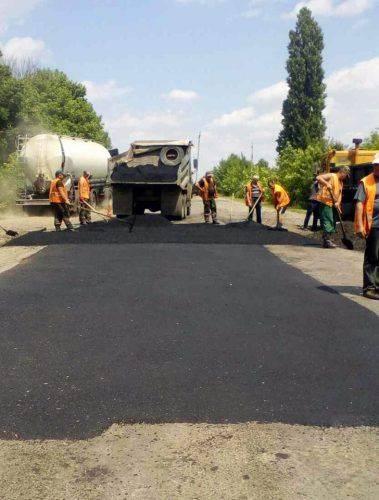 На Черкащині продовжують ямковий ремонт автодоріг (фото)