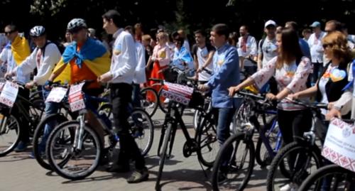 День вишиванки в Черкасах відзначили патріотичним велопробігом (відео)