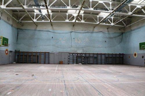 Черкаський мер оглянув шкільний спортзал, у якому досі не завершили ремонт (фото)