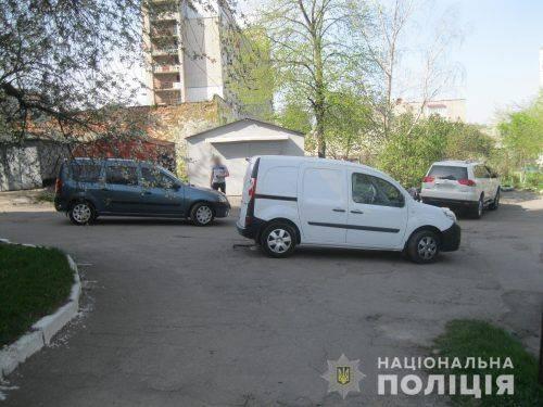 З битою і пістолетом: на Черкащині водії влаштували розбірки зі стріляниною фото)