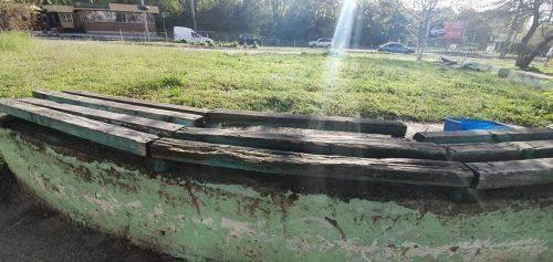 У черкаському сквері встановили нові лавки (фото)