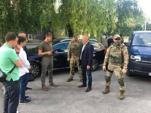 Одного з депутатів Черкаської облради викрили на хабарах (фото)