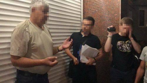 Черкаського суддю, якого взяли на хабарі, не відсторонили від посади