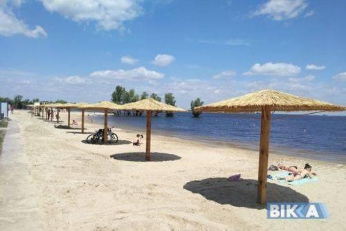 Ще на двох черкаських пляжах встановлять півсотні лежаків