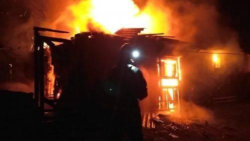 Блискавка на Черкащині знищила надвірну споруду (фото)