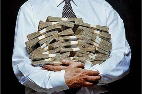 Директору черкаського товариства та його пособнику оголосили підозру за заволодіння понад 800 тис. грн