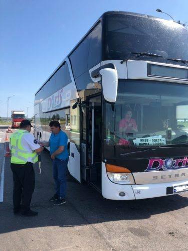 На Черкащині перевіряли транспортні засоби, що перевозять пасажирів (фото)