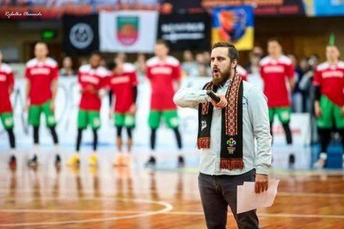 Черкаська родина 15 років підтримує місцеву баскетбольну команду (фото, відео)