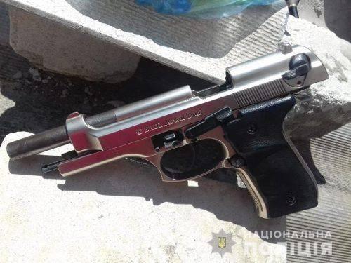Черкащанин незаконно зберігав удома зброю (фото)