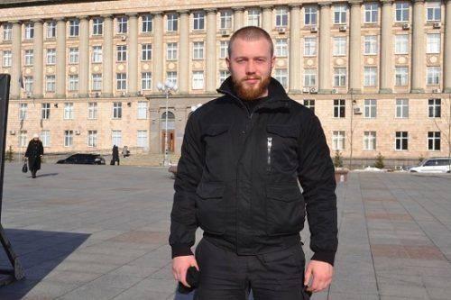 """Кухарчук і ще один активіст """"Нацкорпусу"""" більше не сидітимуть удома через екс-президента"""