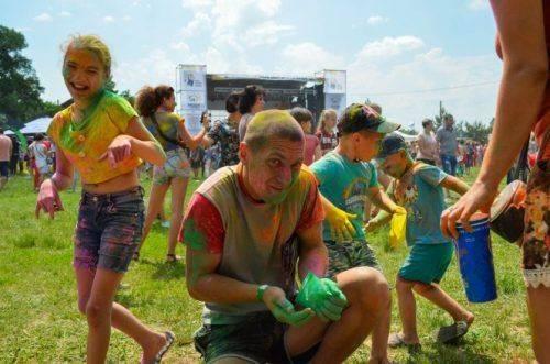 На Черкащині пройшла наймасштабніша битва фарб та танців