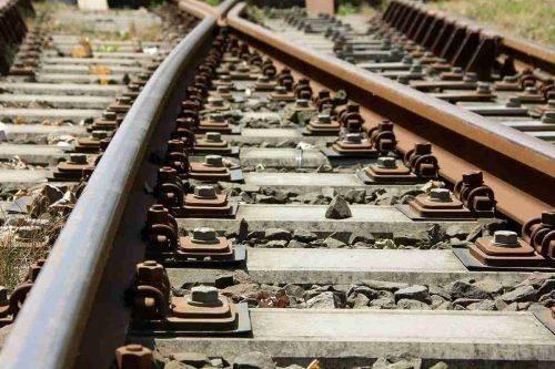 На Черкащині вантажний автомобіль перекрив залізничний переїзд (відео)
