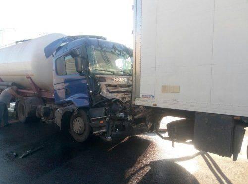 На Черкащині зіштовхнулися дві вантажівки (фото)