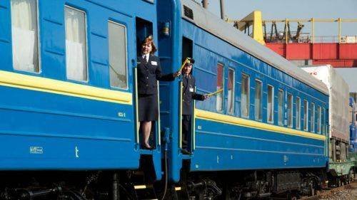 Черкащиною курсуватиме додатковий поїзд на святкові та вихідні дні