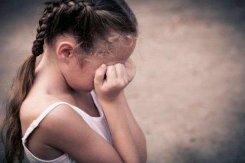На Черкащині співмешканець бабусі ледь не зґвалтував її онучку