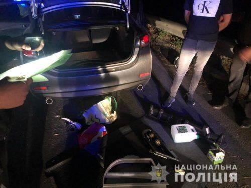 На Черкащині поліцейські з погонею затримали іноземців із гранатами (фото, відео)